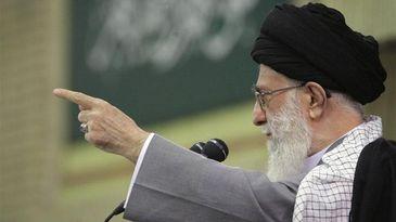 Jamenei clama que la «divina venganza caerá sobre los políticos saudíes»