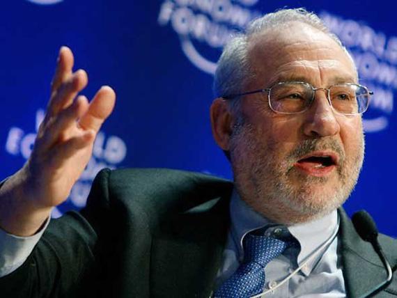 La evolución de los precios del petróleo y de la economía centran los debates en Davos