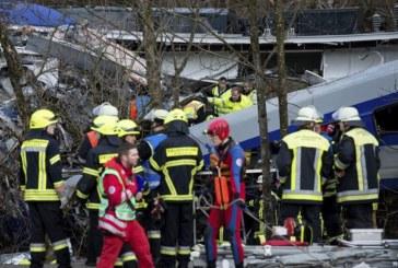 Al menos nueve muertos y 150 heridos tras un choque de trenes en Alemania