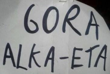 Los titiriteros detenidos en Madrid por mostrar una pancarta con 'Gora ETA' recurren su ingreso en prisión