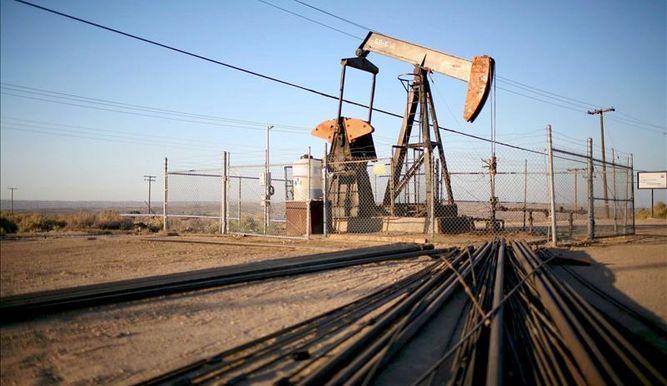 El petróleo de Texas abre con un descenso del 1,72 por ciento y se cotiza a 49,69 dólares el barril
