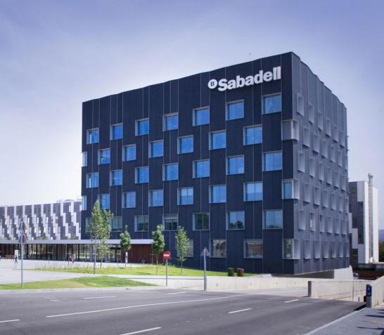 Banco Sadadell vende su plataforma de gestión hotelera por 630,7 millones