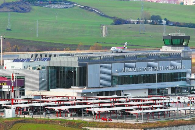 El Aeropuerto de Pamplona registra en 2017 un total de 165.604 pasajeros, un 7,9% más