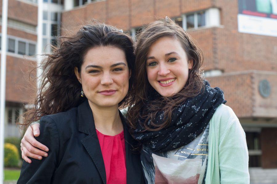 Sabalza y Samaniego, graduadas de la Universidad de Navarra, puesto 4 y 6 en el BIR