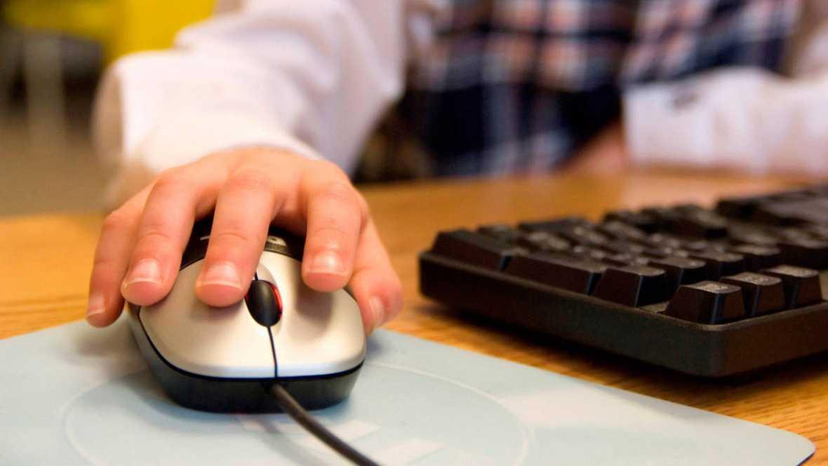 Los internautas españoles se sienten menos vigilados en la red