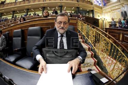 Rajoy: Nada de lo que dice Sánchez es lo que España merece y necesita