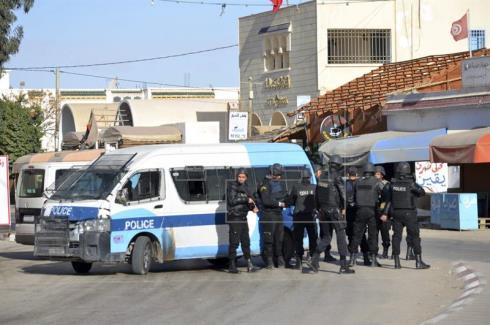 El presidente de Túnez pide apoyar al Estado tras un ataque yihadista que causó 53 muertos