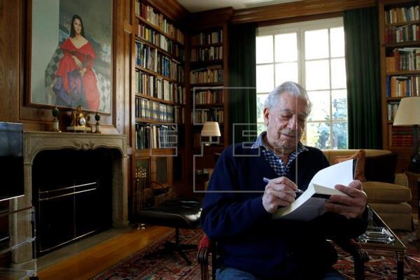 Vargas Llosa: Hay que tratar el mundo del sexo con naturalidad