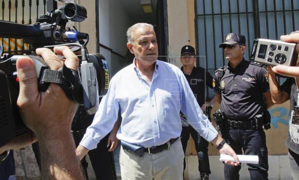 La juez cita a los exconsejeros Ojeda y Fernández en la causa de los cursos