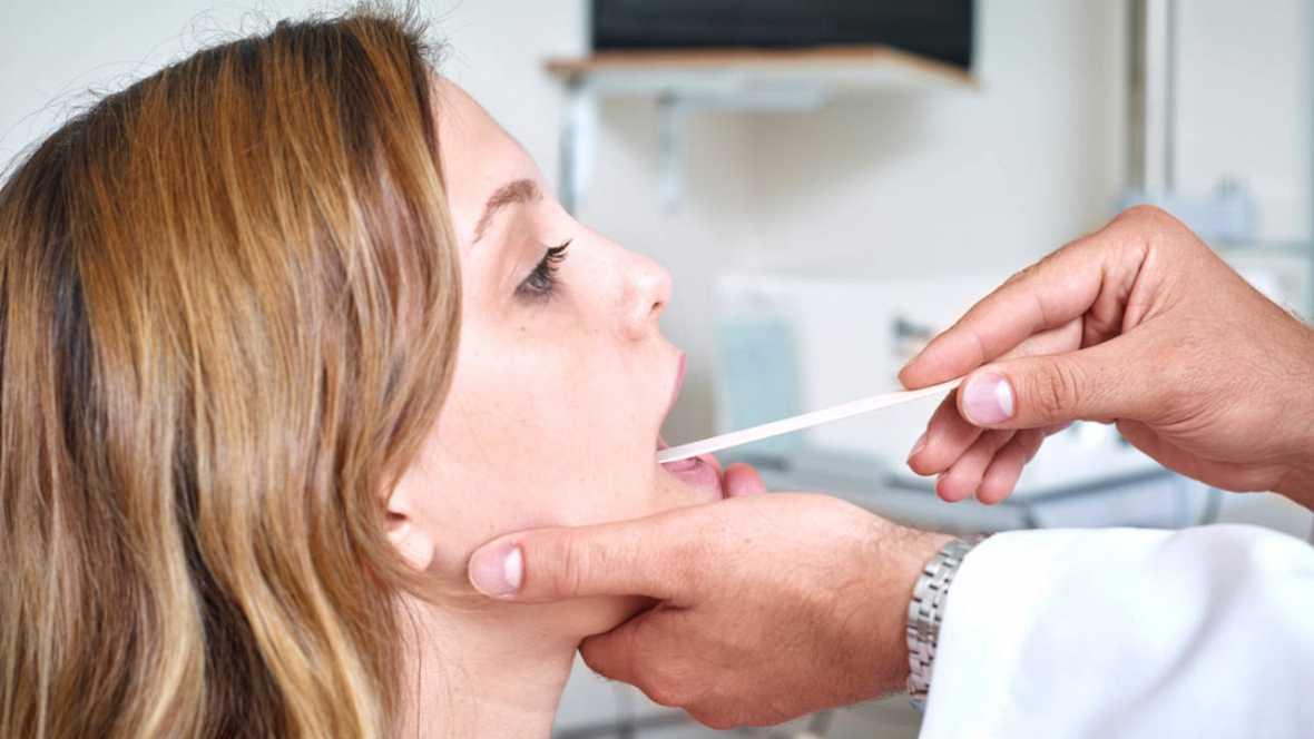 Desarrollan un biosensor capaz de identificar cáncer oral en muestras de saliva