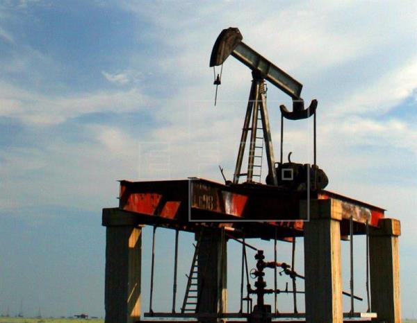 El petróleo de Texas abre con un descenso del 0,12 % hasta los 49,83 dólares