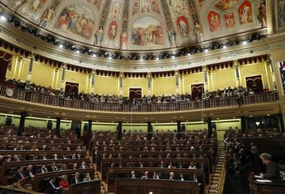 La irrupción de Vox en el Congreso daría la mayoría absoluta al bloque de centro-derecha