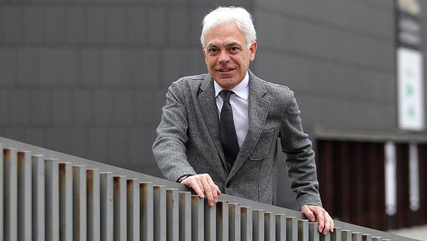 Fernández (PSN) llama en el congreso a formar un gobierno progresista que dé respuesta a la situación de la sanidad española heredada del PP