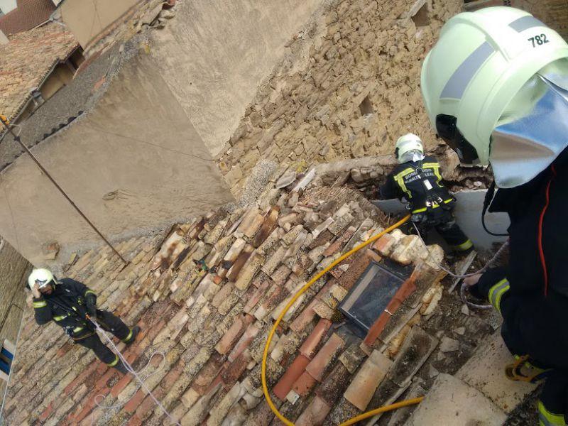 Los bomberos sofocan un incendio en una vivienda de Larraga (Navarra)