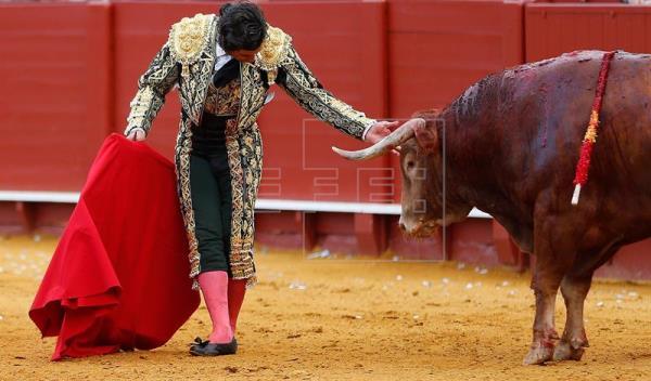 """Morante y """"Cobradiezmos"""", hitos memorables de una feria de Sevilla de perfil bajo"""