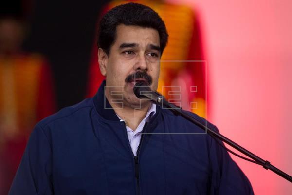 Los candidatos presidenciales venezolanos cierran la campaña con una batería de promesas