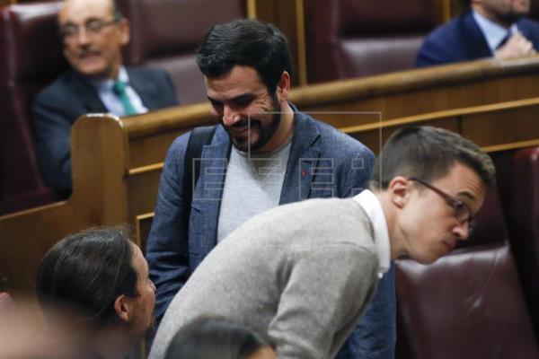 La alianza Podemos-IU quedaría dos escaños por debajo del PSOE según encuesta