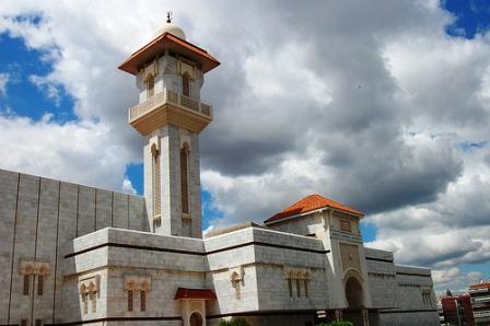 Un juez investigará el ataque del colectivo 'Hogar Social Madrid' a la mezquita de la M-30