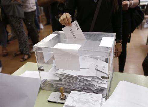 El Congreso debate hoy bajar a los 16 años la edad de voto