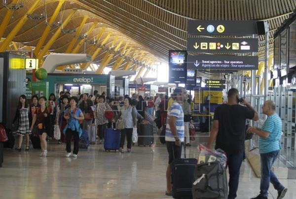 AENA supera los 45,4 millones de pasajeros hasta marzo, un 6,3 % más