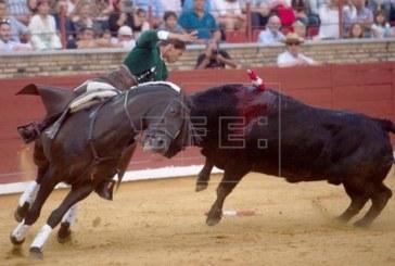 Hermoso de Mendoza y Manuel Manzanares salen a hombros de la plaza de Córdoba