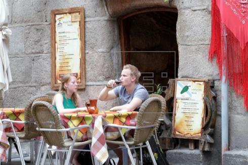 Los turistas extranjeros gastan 17.900 millones hasta abril, un 6,4 % más