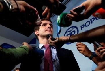 Casado ve una «buena tendencia» del PP en las encuestas y la «indefinición» del PSOE