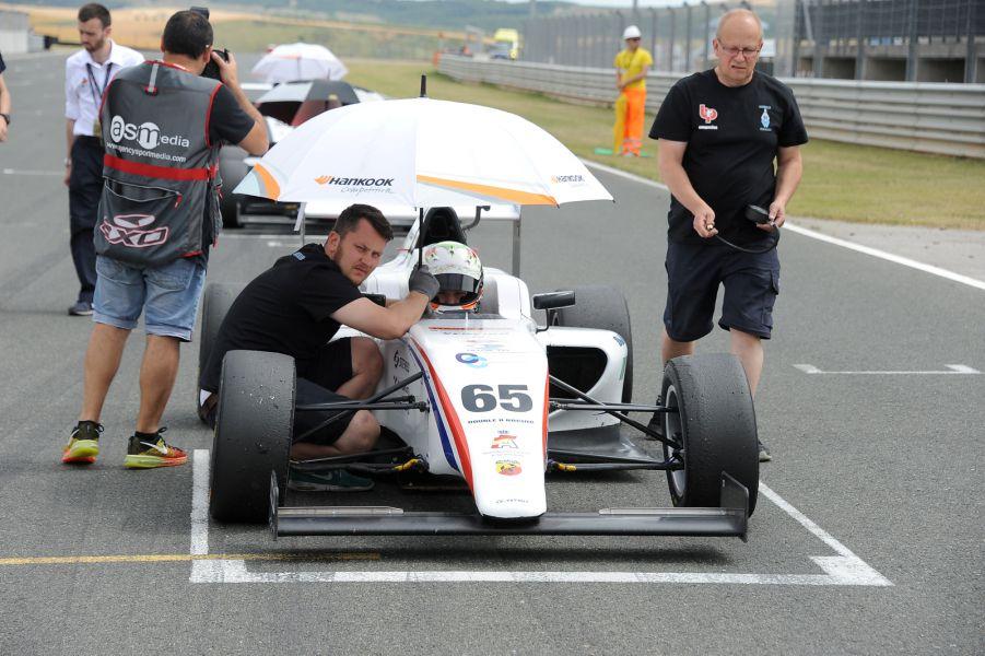 Olivier Martin se impone en 1300Mitjet en el circuito de Los Arcos (Navarra)