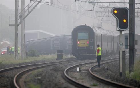 Al menos 3 muertos y 40 heridos en un choque de trenes en Bélgica