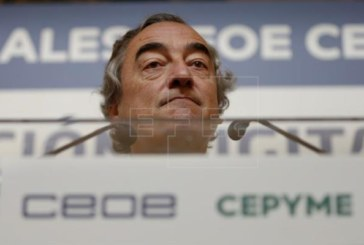 La CEOE aboga por anteponer la reducción del déficit a la bajada de impuestos