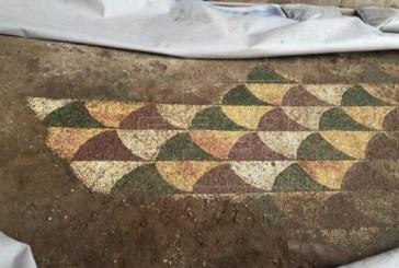 Las termas de Caracalla rescatan parte del milenario mosaico de su gimnasio