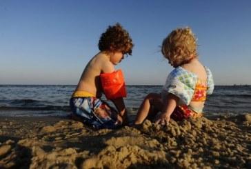 ¿Niños al sol? Siempre con mesura y protección