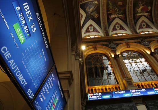 La Bolsa española abre al alza y el IBEX sube 0,71 por ciento y recupera los 8.800