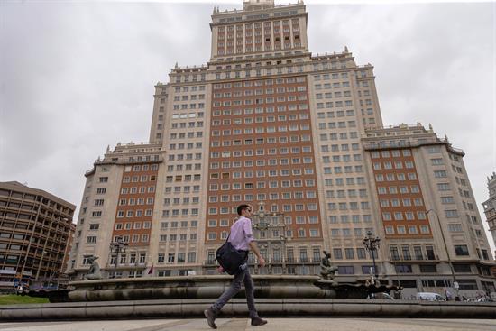 Riu negocia la venta de la zona comercial del Edificio España por el desacuerdo con Baraka