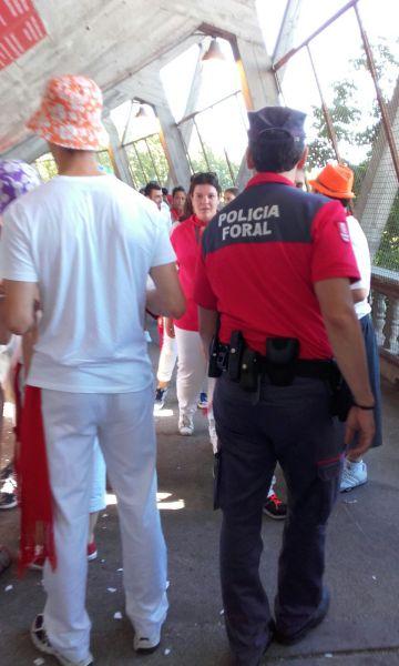 Detenido en Jarauta tras intentar robarle el teléfono móvil a un policía foral fuera de servicio