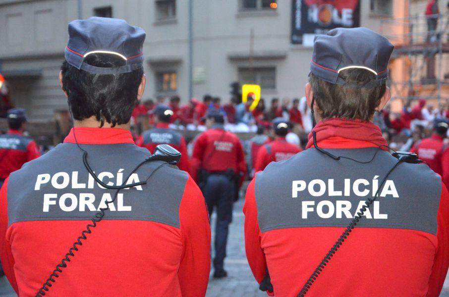 La Policía Foral detiene a cinco personas por delitos de robo, amenazas y malos tratos