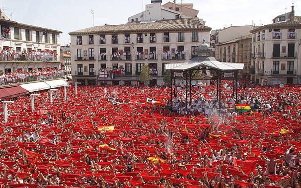 Un chupinazo con reivindicación feminista da inicio a las fiestas de Tudela