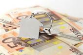 La firma de hipotecas aumenta un 18 % en Navarra en un año