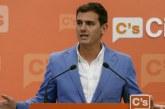 """Rivera pide un adelanto electoral y dar una """"patada democrática"""" al proceso catalán"""