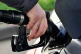 La gasolina cae un 1,42 % y el gasóleo un 0,86 % en la última semana