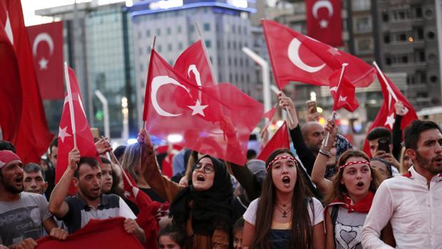La oposición impugnará el resultado del referéndum en Turquía