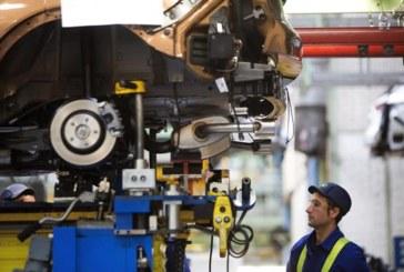 La producción industrial cae un 0,2 por ciento interanual en febrero