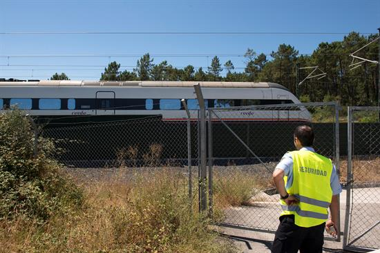 """Catalá dice que el tren reunía """"todas las garantías"""" y que fue revisado ayer"""