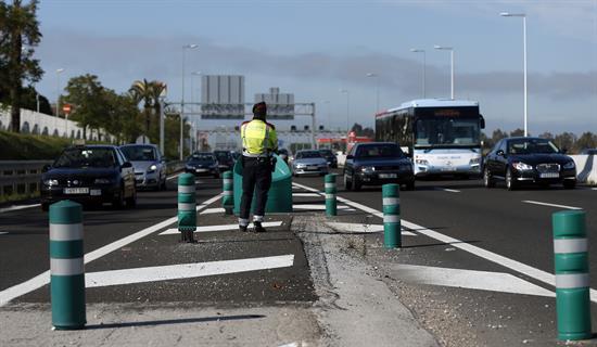 Un autocar con turistas vuelca en Barcelona y causa 24 heridos, 3 graves