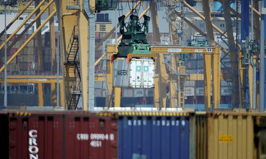 La producción industrial en España baja el 1,7 %, la primera caída en febrero en 4 años