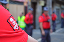 30 mandos de la Policía Foral presentan su dimisión a la consejera Beaumont