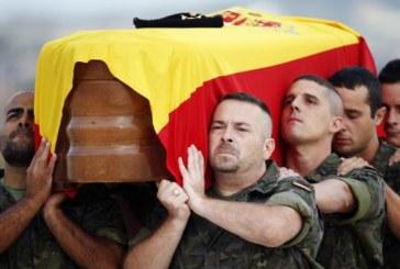Aterriza en Valencia el avión con los restos del soldado fallecido en Irak
