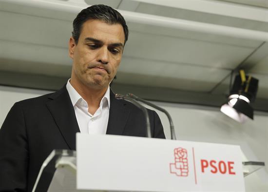 Sánchez pide a Rajoy que dimita por «dignidad» y por el interés de España