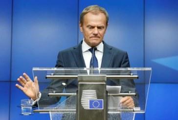 "Tusk ofrece al Reino Unido una ""larga"" prórroga del ""brexit"" si repiensa su estrategia"
