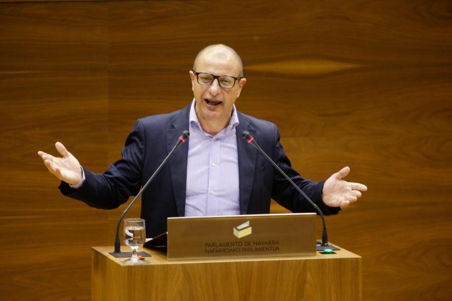 """El PSN considera """"discriminatorio"""" que se reduzcan las becas a los estudiantes de la Universidad de Navarra"""